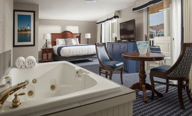 One King Harbor Front with Hot Tub at Hyannis Harbor Hotel