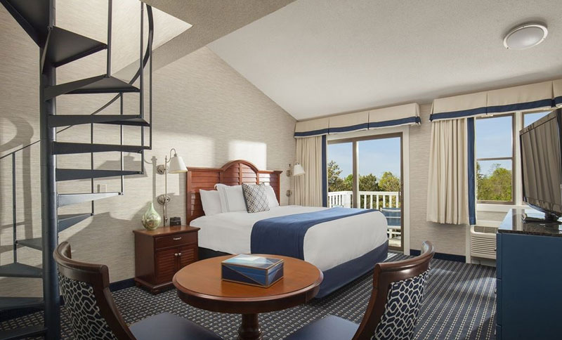 Two Bedroom Townhouse Suite with Living Area at Hyannis Harbor Hotel